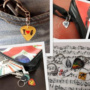 music_plectrum_shaped_keychains